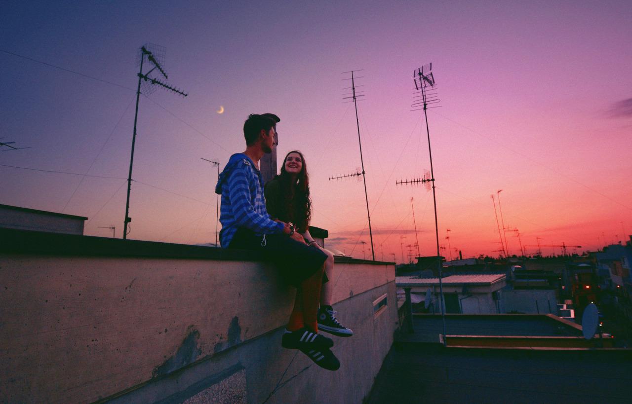 Ninguém sai ileso do amor.